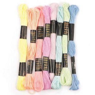 8 échevettes de fils en polyester 7 m - Pastel