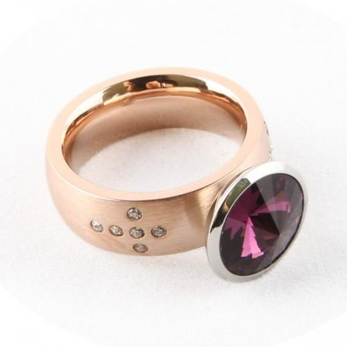Golden metal Ring w/ removable stone