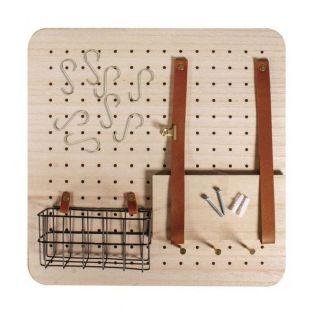 Customizable wall organizer with wire...