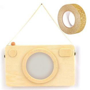 Wooden picture frame Polaroid camera...