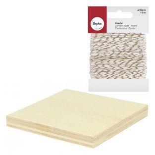 2 placas de madera 8 x 8 cm. + cordel...