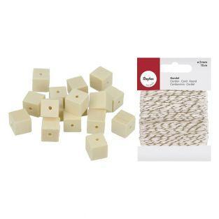 30 perles en bois carrées 10 x 10 mm...