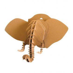 Cabeza de elefante en 3D hecha de cartón