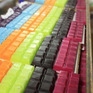 Cire à bougie 6 couleurs vives 240 g + mèche