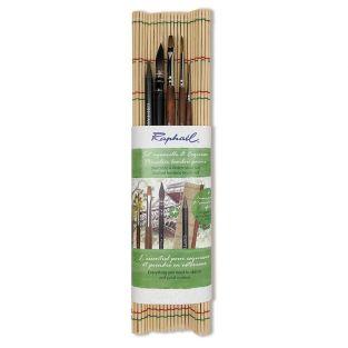 Set of 4 bamboo brushes + 1 monolith...