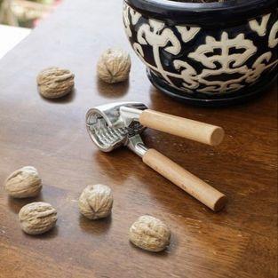 Wood-steel nutcracker