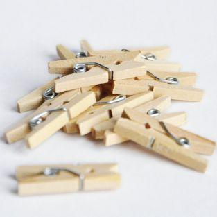 Mini wood clothespins x 20