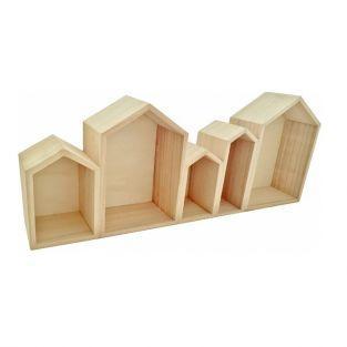 Estantes de madera pequeñas casas