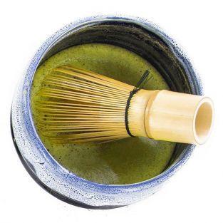 Batidor de té Matcha con 100 hebras de bambú