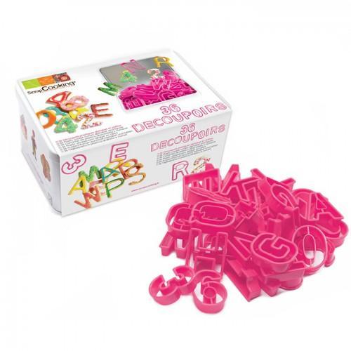 Boîte de 36 découpoirs en plastique chiffres et lettres