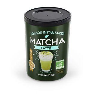Preparación orgánica té Matcha con leche