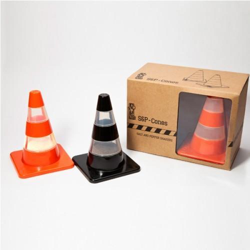Traffic cones Salt and pepper
