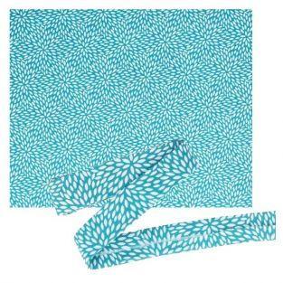 Tissu 55 x 45 cm & biais de couture 3 m x 2 cm - Bleu clair à pétales blancs