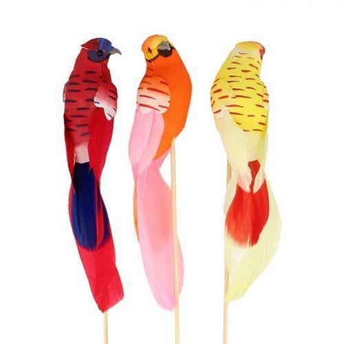 3 perruches 13 x 3 x 2,5 cm montées sur tiges en bois