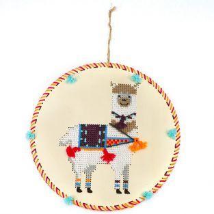 Coffret suspension en bois à broder - Lama
