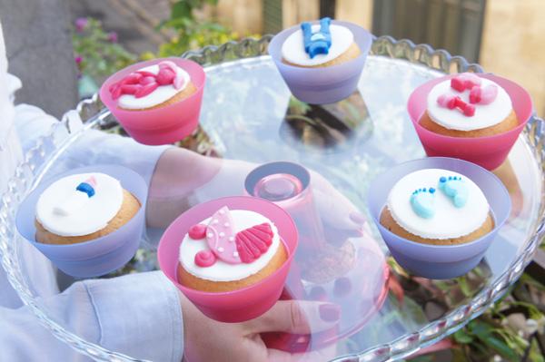 cupcakes-babyshower-fille-et-garcon-sous-cloche