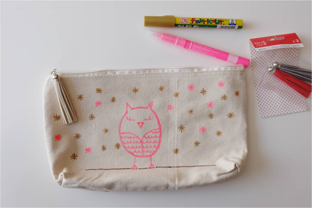 customiser trousse ecole